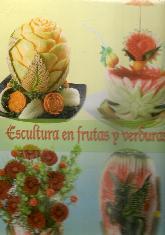 Escultura en frutas y verduras